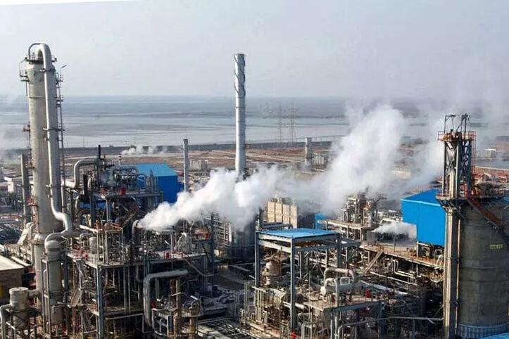 سهم ۷۰ درصدی هلدینگ خلیج فارس در عرضه محصولات پتروشیمی به بورس انرژی