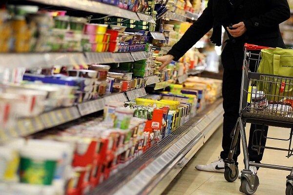 کمبودی در ذخایر مواد غذایی نداریم/ برخی از واردکنندگان کالاها را بصورت قطره چکانی عرضه میکنند