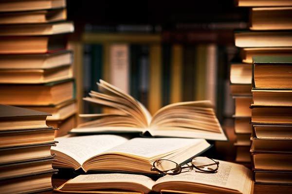 آغاز و پایان هفته و پاییزه کتاب و تغییر رئیس اداره کتاب