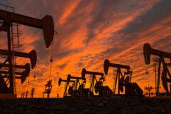 بازار نفت به تصمیم اوپکپلاس چشم دوخته است