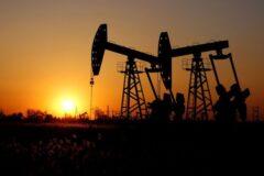 قیمت جهانی نفت خام رشد کرد/ برنت ۷۵ دلاری شد