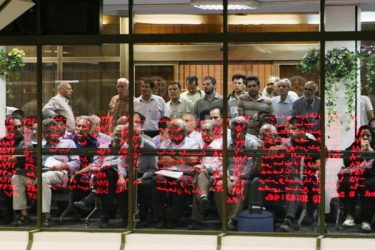 نقش وزارت نفت در قرمز پوشی بورس/دود پاسکاری دولت در چشم مردم