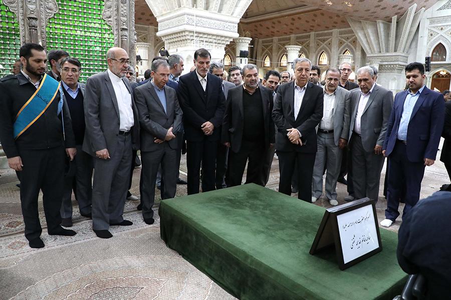 تجدید میثاق مدیران و کارکنان بانک دی با آرمان های امام راحل در چهل و یکمین طلوع فجر